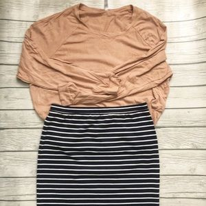 GAP pencil skirt navy/white striped -size small